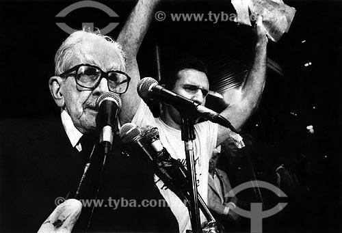 Assunto: Sobral Pinto e Osmar Santos no Comício das Diretas em frente a Igreja de Nossa Senhora da Candelária / Local: Rio de Janeiro (RJ) -  Brasil / Data: 04/1984