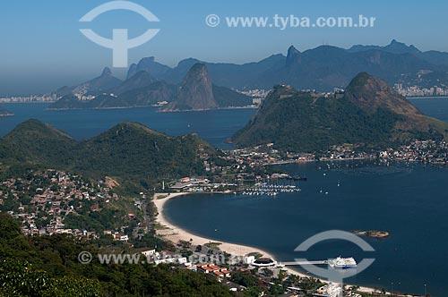 Assunto: Vista da Praia de Charitas com a cidade do Rio de Janeiro ao fundo / Local: Charitas - Niterói - Rio de Janeiro (RJ) - Brasil / Data: 08/2009