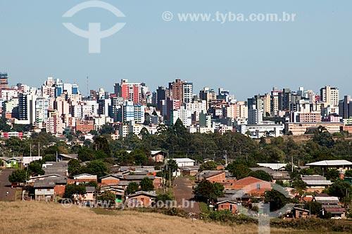 Assunto: Vista dos bairros Loteamento Manoel da Silva Corrallo à esquerda  e Loteamento Parque Califórnia à direita a partir da Perimetral Leste  / Local: Passo Fundo - Rio Grande do Sul (RS) - Brasil / Data: 04/2011