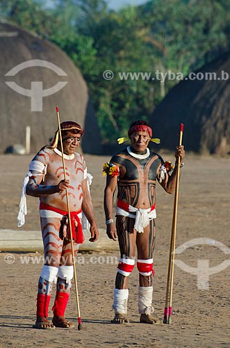 Assunto: Índios Kalapalo da Aldeia Aiha pintados para o Jawari / Local: Querência - Mato Grosso (MT) - Brasil / Data: 07/2011