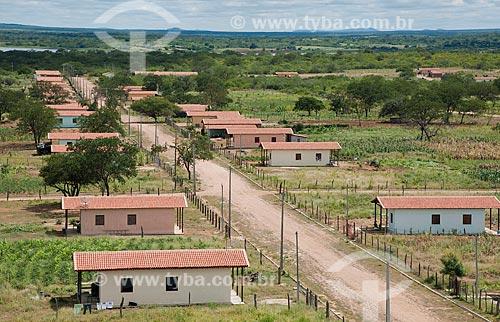 Assunto: Vista da vila construída para as famílas que foram desapropriadas e optaram por um lote produtivo - Desapropriados para construir o reservatório Negreiros  / Local: Salgueiro - Pernambuco (PE) - Brasil / Data: 05/2011
