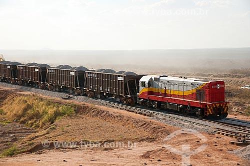 Assunto: Trem carregado de brita para a obra da linha da Ferrovia Transnordestina / Local: Salgueiro - Pernambuco (PE) - Brasil / Data: 10/2011