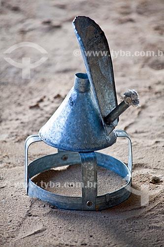 Assunto: Projeto Encauchados Vegetais, poronga (tipo de lamparina) para coleta do látex  / Local: Rio Branco - Acre (AC) - Brasil / Data: 11/2011