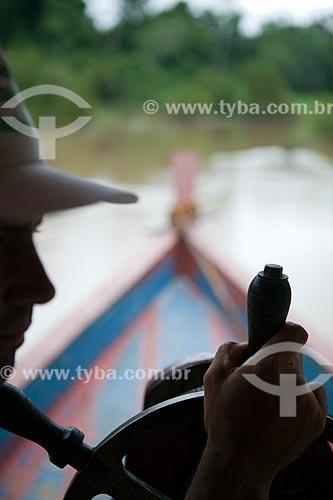 Assunto: Batelão no Rio Caetés - Barco de transporte fluvial / Local: Sena Madureira - Acre (AC) - Brasil / Data: 11/2011