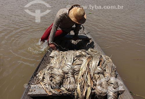 Assunto: Transporte de Juta no Rio Amazonas / Local: Manacapuru - Amazonas (AM) - Brasil / Data: 01/2012