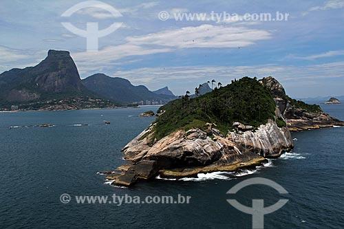 Assunto: Ilha Pontuda com Pedra da Gávea ao fundo / Local: Barra da Tijuca - Rio de Janeiro (RJ) - Brasil / Data: 01/2012