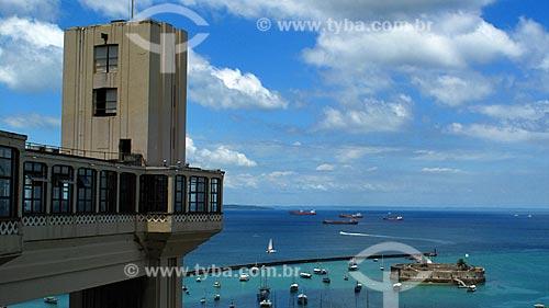 Assunto: Elevador Lacerda e Forte de Nossa Senhora do Pópulo e São Marcelo (Forte do Mar) ao fundo / Local: Salvador - Bahia (BA) - Brasil / Data: 01/2012