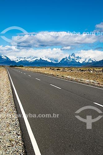 Assunto: Vista da Estrada 23 ao fundo Monte Fitz Roy / Local: El Chalten - Província de Santa Cruz - Argentina - América do Sul / Data: 02/2010