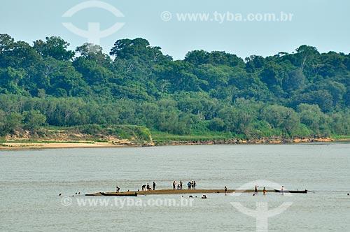 Assunto: Pessoas em banco de areia no Rio Madeira / Local: Distrito de São Carlos do Jamari - Porto Velho - Rondônia (RO) - Brasil / Data: 10/2010