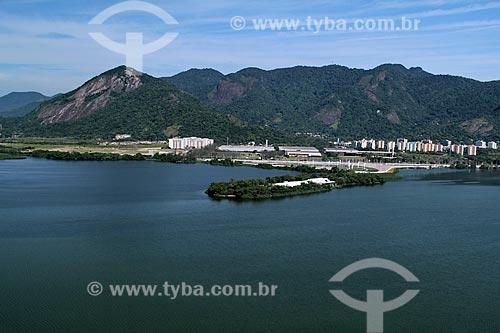 Assunto: Vista aérea do Hospital Sarah com Lagoa de Jacarepaguá em primeiro plano / Local: Rio de Janeiro (RJ) - Brasil / Data: 01/2012