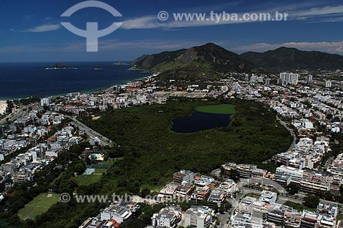 Assunto: Parque Natural Municipal Chico Mendes com Pedra do Pontal ao fundo / Local: Recreio dos Bandeirantes - Rio de Janeiro (RJ) - Brasil / Data: 01/2012