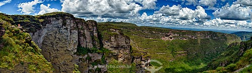 Assunto: Vista panorâmica do vale da Cachoeira da Fumaça / Local: Palmeiras - Bahia (BA) - Brasil / Data: 01/2012