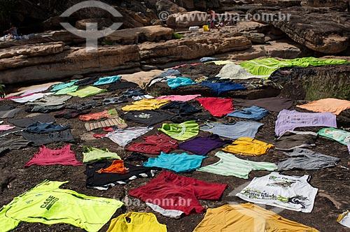 Assunto: Mulheres lavando roupa no Serrano / Local: Lençóis - Bahia (BA) - Brasil / Data: 01/2012