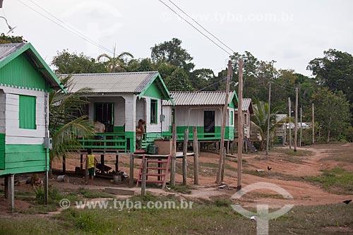 Assunto: Comunidade ribeirinha de Sobrado - Projeto Luz Para Todos  / Local: Novo Airão - Amazonas (AM) - Brasil / Data: 10/2011