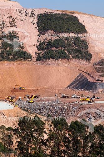 Assunto: Lixão do Sítio Floresta em processo de aterramento - Biogás  / Local: São Paulo - SP - Brasil  / Data: 09/2011