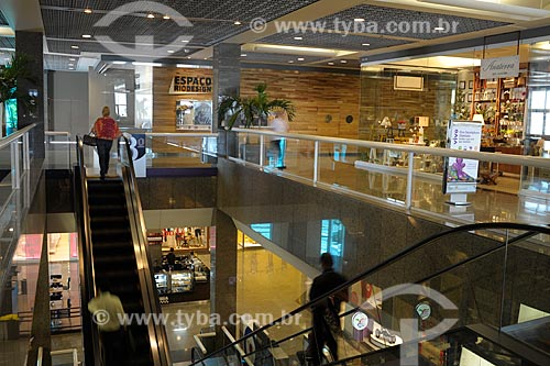 Assunto: Interior do shopping Rio Design Barra / Local: Barra da Tijuca - Rio de Janeiro (RJ) - Brasil / Data: 02/2012