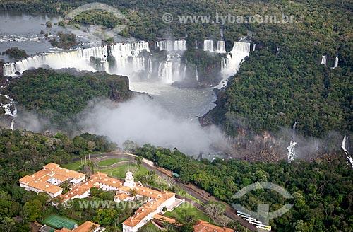 Assunto: Vista aérea de hotel às margens das Cataratas do Iguaçu / Local: Foz do Iguaçu - Paraná (PR) - Brasil / Data: 06/2010