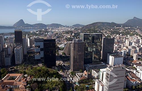 Assunto: Vista aérea do Centro do Rio de Janeiro com Pão de Açúcar ao fundo / Local: Centro - Rio de Janeiro (RJ) - Brasil / Data: 03/2012