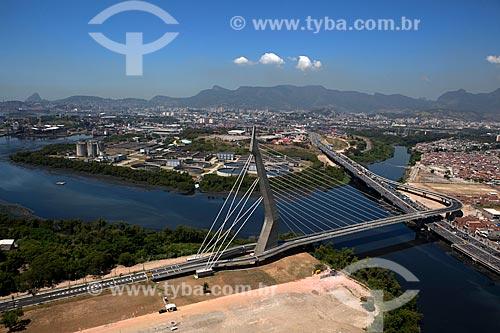 Assunto: Vista aérea da Ponte do Saber com Estação de Tratamento de Esgoto Alegria ao fundo / Local: Rio de Janeiro (RJ) - Brasil / Data: 03/2012