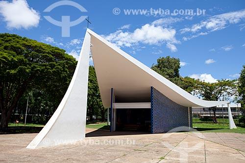 Assunto: Igreja Nossa Senhora de Fátima (1958), também conhecida como a Igrejinha da 307/308 Sul - Projeto de Oscar Niemeyer / Local: Brasília - Distrito Federal (DF) - Brasil / Data: 11/2011