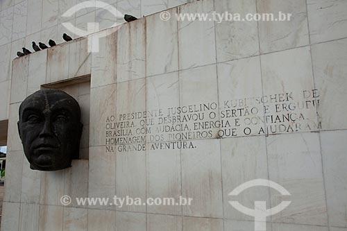 Assunto: Cabeça de JK - Escultura em pedra sabão / Local: Brasília - Distrito Federal (DF) - Brasil / Data: 11/2011