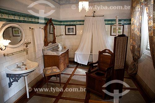 Assunto: Sala de Banho do Museu da Baronesa - Solar da Baronesa (1863) - Abrigou a família de Aníbal e Amélia Hartley Antunes Maciel / Local: Pelotas - Rio Grande do Sul (RS) - Brasil / Data: 02/2012
