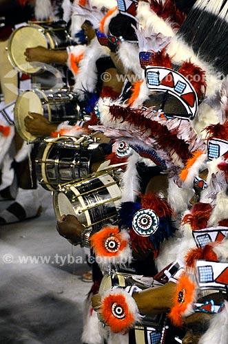 Assunto: Desfile da Escola de Samba União da Ilha do Governador - Percussionistas - Enredo 2012 - De Londres ao Rio: Era uma vez... Uma Ilha / Local: Rio de Janeiro (RJ) - Brasil / Data: 02/2012