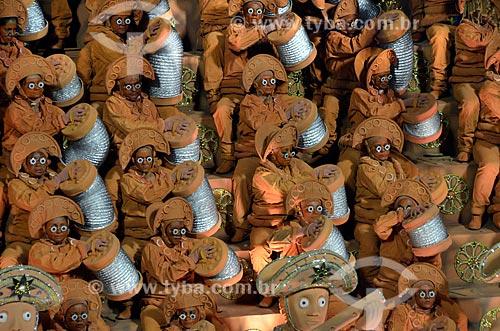 Desfile da Escola de Samba Unidos da Tijuca - Foliões da Ala em homenagem ao ceramista de Caruaru Mestre Vitalino - Enredo 2012 - O dia em que toda a realeza desembarcou na Avenida para coroar o Rei Luiz do Sertão  - Rio de Janeiro - Rio de Janeiro - Brasil