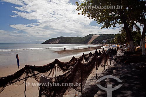Assunto: Redes de pesca na praia de Ponta Negra e morro Careca ao fundo / Local: Natal - Rio Grande do Norte (RN) - Brasil / Data: 03/2012