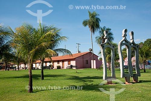 Casario histórico que deu origem a cidade de Rondonópolis restaurado -atualmente funcionam lojas de artesanato e restaurantes - Antigo porto na beira do rio Vermelho  - Rondonópolis - Mato Grosso - Brasil