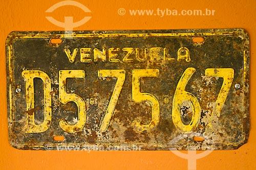 Assunto: Placa de carro venezuelana enferrujada  / Local: Coro - Falcón - Venezuela - América do Sul / Data: 05/2012