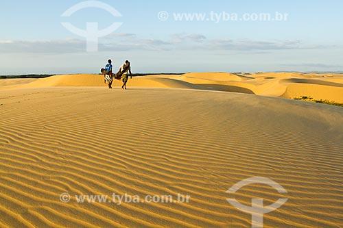 Assunto: Sandboard nas dunas do Parque Nacional Médanos de Coro / Local: Coro - Falcón - Venezuela - América do Sul / Data: 05/2012