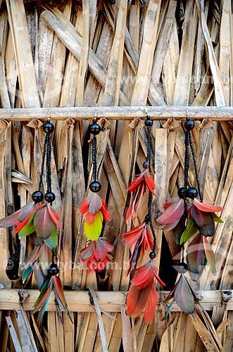 Assunto: Aldeia Juçaral na terra indígena Arariboia - Brincos artesanais feitos pelos índios da etnia Guajajara / Local: Amarante do Maranhão - Maranhão (MA) - Brasil / Data: 05/2012