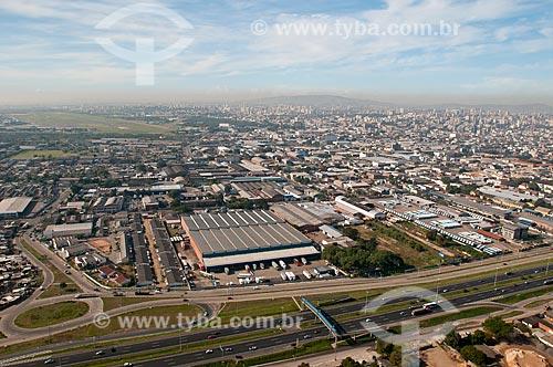 Assunto: Vista aérea do centro da cidade de Porto Alegre com Estação Rodoviária de Porto Alegre em primeiro plano / Local: 2012; fotos aéreas da area central da cidade / Data: 05/2012