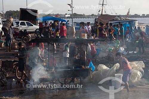 Assunto: Churrasco no Mercado da Rampa de Santa Inês (Rampa do Açaí) / Local: Macapá - Amapá (AP) - Brasil / Data: 04/2012