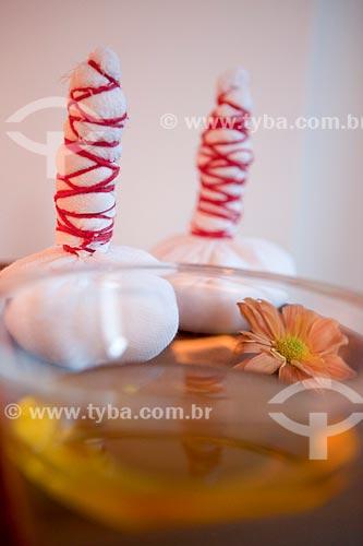 Assunto: Terapia Ayurvédica  -  Pinda Sweda  (Trouxinhas com arroz medicado / Local: Rio de Janeiro - Rio de Janeiro (RJ) - Brasil / Data: 05/2012