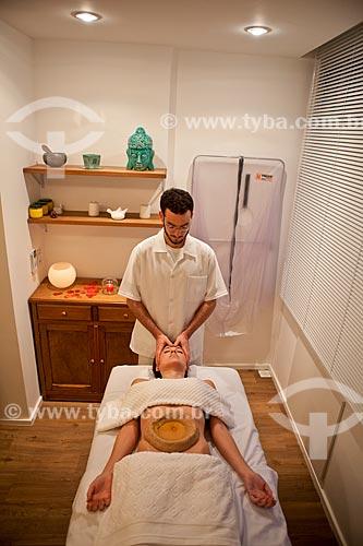 Assunto: Terapia Ayurvédica  -  Basti externo  (Udara Basti )  / Local: Rio de Janeiro  -  Rio de Janeiro  (RJ)  -  Brasil / Data: 05/2012