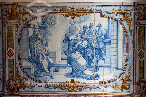 Painel de azulejos no interior da Igreja de Nossa Senhora do Rosário dos Pretos (séc. XVIII) - também conhecida como Igreja do Rosário da Baixa dos Sapateiros ou Igreja de Nossa Senhora do Rosário das Portas do Carmo  - Salvador - Bahia - Brasil