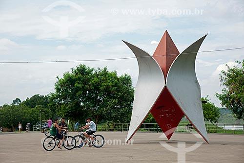 Assunto: Escultura de Tomie Otake em comemoração dos 100 anos da imigração Japonesa / Local: Registro - São Paulo (SP) - Brasil / Data: 02/2012