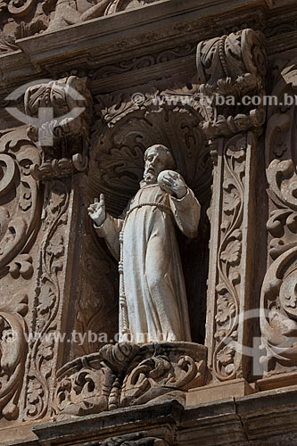 Assunto: Estátua de São Francisco Penitente na fachada da Igreja da Ordem Terceira de São Francisco / Local: Salvador - Bahia (BA) - Brasil / Data: 07/2012