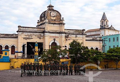 Assunto: Treinamento militar em frente a antiga estação de trem na cidade de Cachoeira / Local: Cachoeira - Bahia (BA) - Brasil / Data: 07/2012