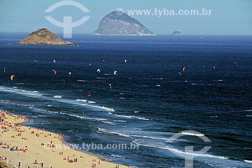 Assunto: Praia da Barra da Tijuca com Ilhas Cagarras ao fundo / Local: Rio de Janeiro - Rio de Janeiro (RJ) - Brasil / Data: 08/2012
