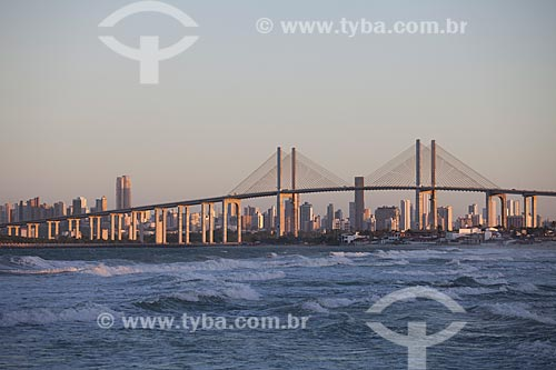 Assunto: Ponte Newton Navarro (2007) e a cidade de Natal vista a partir da praia de Redinha / Local: Natal - Rio Grande do Norte (RN) - Brasil / Data: 07/2012