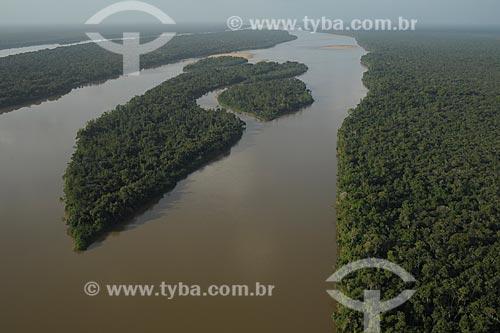 Assunto: Parque Nacional Serra da Mocidade- Rio Branco com o Parque Nacional Viruá a direita / Local: Caracaraí - Roraima (RR) - Brasil / Data: 03/2012