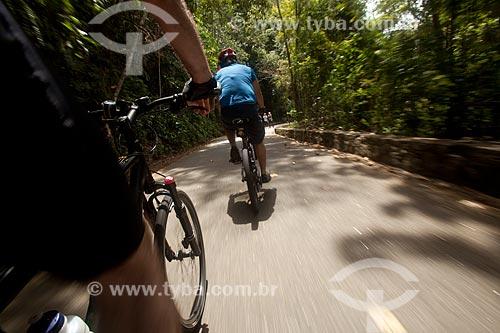 Assunto: Ciclistas na estrada das Paineiras / Local: Rio de Janeiro - Rio de Janeiro (RJ) - Brasil / Data: 12/2011