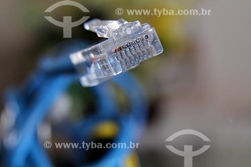 Assunto: Detalhe de fio e conector rj45 / Local: Rio de Janeiro (RJ) - Brasil / Data: 06/2012
