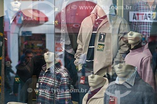 Assunto: Vitrine de loja no centro da cidade / Local: Porto Alegre - Rio Grande do Sul (RS) - Brasil / Data: 06/2012