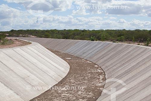 Assunto: Canal do Sertão Alagoano obra do PAC 2 iniciada em 2002 que pretende levar água do rio São Francisco desde Delmiro Gouveia até Arapiraca uma extensão de 250 km / Local: Delmiro Gouveia - Alagoas (AL) - Brasil / Data: 06/2012