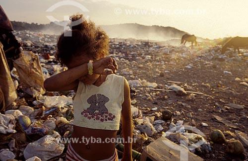 Assunto: Criança em aterro sanitário / Local: Natal - Rio Grande do Norte (RN) - Brasil / Data: 01/2010