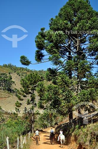 Assunto: Pessoas andando à cavalo / Local: Itamonte - Minas Gerais (MG) - Brasil / Data: 07/2011